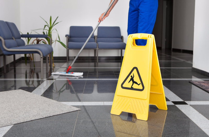 OFFICE CLEANING/ COMMERCIAL